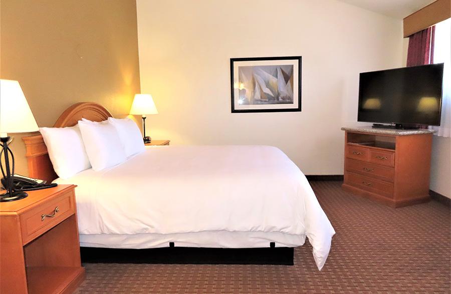 Mason Beach Inn room